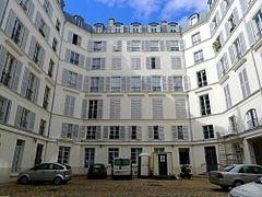 P1050246_Paris_Ier_rue_du_Bouloi_n°21_cour_intérieure_rwk