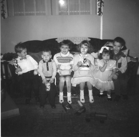Christmas with the Cousins 1959.jpg